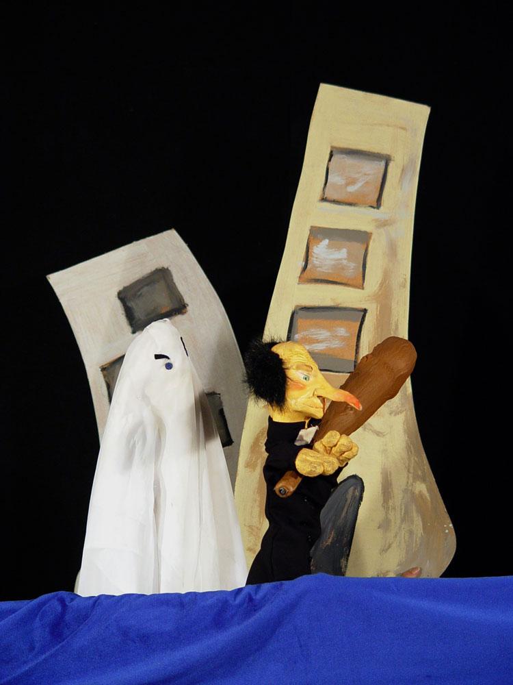 Bolina-Titeres-Compañia-de-teatro-Islas-Canariaa-Trayectoria-2001-La-Calle-de-los-Fantasmas-06