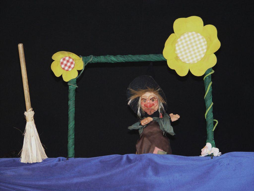 Bolina-Titeres-Compañia-de-teatro-Islas-Canariaa-Trayectoria-2004-Fabulas-Fabulosas-04-1